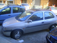requiescat in pace (corrado cattani) Tags: auto car parking sicily duna palermo macchina sicilia opel fuckedup outoforder restinpeace sizilien opelcorsa napolicentrale ruheinfrieden reposeenpaix riposiinpace abwrackprmie