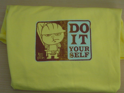 "Happy Tree Friends T-Shirt -- ""Do it yourself"" size child's XL"