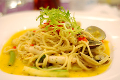 Just Spaghetti (Pumpkin Chief) Tags: life food restaurant taiwan crab daily meal noodles seafood tainan spaghetti relaxed londonrose