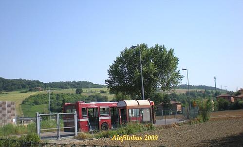 Bologna: autobus Iveco 480 n° 5223 alla Rotonda Corelli