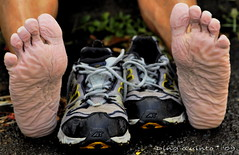The agony of d'feet (ding quinto) Tags: road street people feet face foot marathon philippines north running run trail 100 ultra pilipino pinoy wetfeet