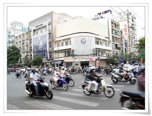摩托车 by Mengyao Mengyao.