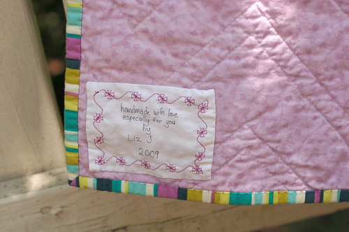 Zig-zag quilt - label and binding