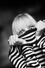 (koinis) Tags: portrait anna girl john sweater big eyes nikon 14 d2x 85mm explore eyed hiding striped streaky koinberg koinis enbrabild oncameraisnotstrobistbutstillreallycool kjeter hahathxzaraiknowitsnotproperstrobistmaterialjustaddedittothegrouptogetviewsd