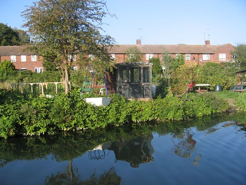 Brentford: Canalside allotments
