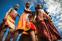 children over a barn in a village of the tribe of Dassanech, near omorate, lower valley of the omo, ethiopia (anthony pappone photography) Tags: africa children afrika tribe afrique 非洲 アフリカ エチオピア childrentravel portraitsofchildren 아프리카 埃塞俄比亞 africantribe африка أفريقيا эфиопия أثيوبيا अफ्रीका