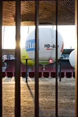 Bound (victor*f) Tags: sunset start balloons stadium ballon zurich gas hydrogen letzigrund zfd züriflickrdrinks wasserstoff ballongruppe