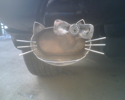 The 'Hello-Kitty' exhaust pipe (detail)