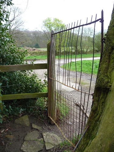 Metal kissing gate, Woodthorpe