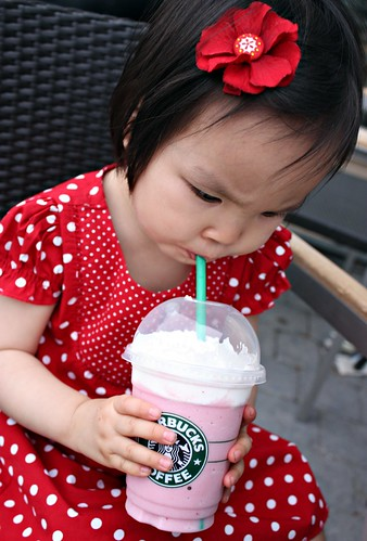 strawberries & cream frappuccino