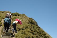 DSC_1292 (Ming - chun ( very busy )) Tags: sky green girl landscape nikon women d70 taiwan   grassland                 14