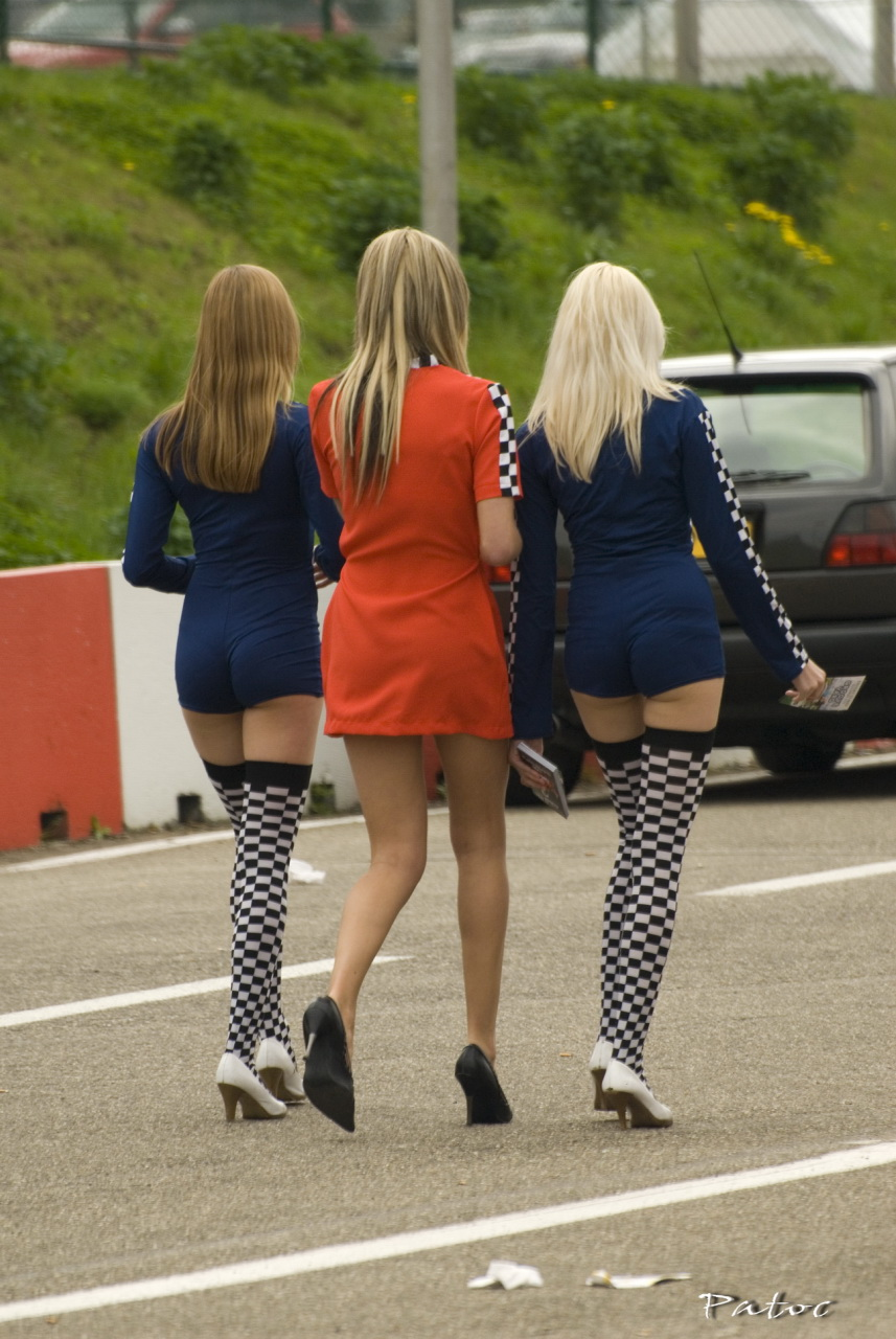 Tuning Girls Blue and Red