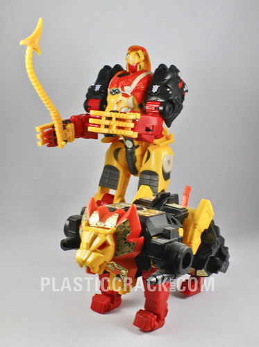 Botcon 2009 Razorclaw and original G1 Razorclaw