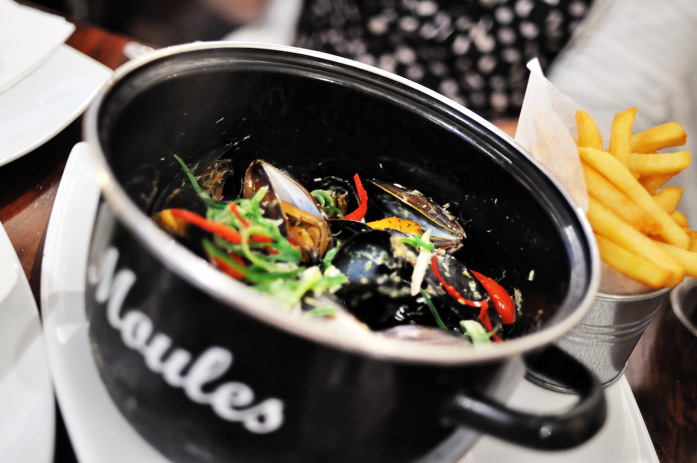 Brouge: Mussels and Frites