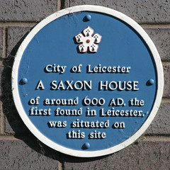 Photo of Saxon House of around 600 AD blue plaque