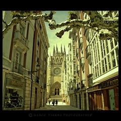 Burgos (m@®©ãǿ►ðȅtǭǹȁðǿr◄©) Tags: españa canon arquitectura burgos gotico castillayleón catedraldeburgos canoneos400ddigital pueblosdeespaña canonefs1855mmf3556is m®©ãǿ►ðȅtǭǹȁðǿr◄© marcovianna