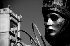 maschera pensante (Nicola Zuliani) Tags: venice carnevale venezia biancoenero maschere nizu nicolazuliani wwwnizuit