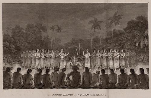 005-Danza nocturna de mujeres en Hapaee