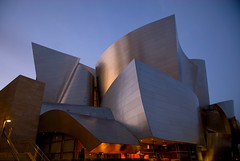 Walt Disney Concert Hall (kubse) Tags: california trip music building art architecture modern losangeles concert downtown arts frankgehry waltdisneyconcerthall mehta worldtour vpo afsnikkor1685