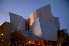 Walt Disney Concert Hall (kubse) Tags: california trip music building art architecture modern losangeles concert downtown arts frankgehry waltdisneyconcerthall mehta worldtour vpo afsnikkor1685
