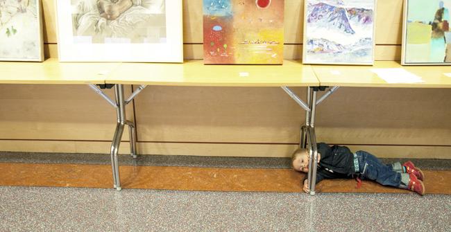 Under bordet