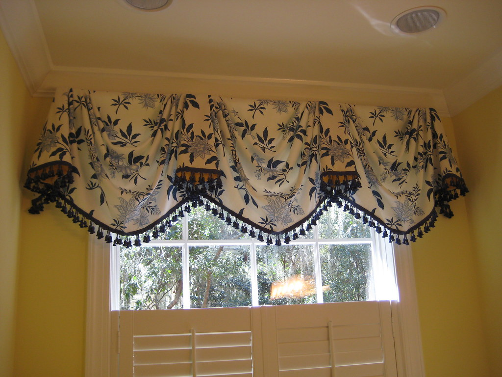 Empire Swag Valance in Blue and White