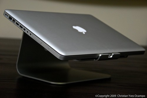 MacBook Pro on mStand