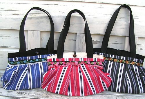 Dutch sisters stripe bag