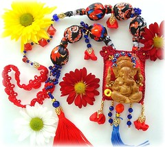 Lord Ganesha, Senhor da Sabedoria (Lidia Luz) Tags: necklace beads ganesha handmade embroidery jewelry felt bijoux bijuteria fabric ganesh feltro colar tecido bijouteria lidialuz