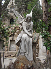 Eternidad (Bellwizard) Tags: barcelona cemetery graveyard angel cementerio montjuc ngel cementiri ngel