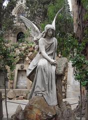 Eternidad (Bellwizard) Tags: barcelona cemetery graveyard angel cementerio montjuïc ángel cementiri àngel