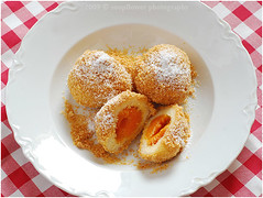 Marillenkndel | Apricot Dumplings (Soupflower's Blog) Tags: food recipe blog apricot austrian dumpling curd marille