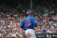 D Lee extends the hit streak (mikepix) Tags: chicago baseball cleveland indians cubs wrigleyfield 2009 bullpinbox