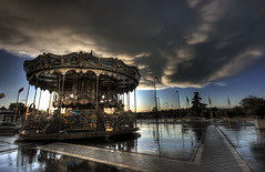 Carrousel in Tours, France (Raf Ferreira) Tags: france rain clouds canon rebel rafael tours hdr carrousel ferreira peixoto xti 400d