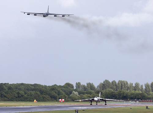 b52 bomber pictures. Vulcan and B52 Bombers