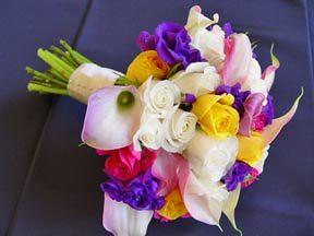 Bride bouquet (roses mini callas lisianthus)