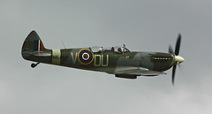 Supermarine spitfire Mk. IX.T Grace ML407 (Lightningboy2000) Tags: aircraft aviation airplanes grace duxford supermarinespitfire ml407 airmuseums thegracespitfire carolyngrace ukairshows supermarinespitfiremkixt