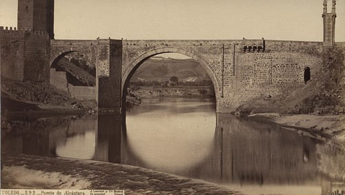 Puente de Alcántara (Toledo) en el siglo XIX. Fotografía de Jean Laurent. Frances Loeb Library, Graduate School of Design, Harvard University. H. H. Richardson Collection