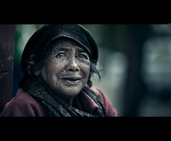 Everyday Woman (Luis Montemayor) Tags: woman mexicana mexico mujer bokeh oldlady anciana michoacan patzcuaro