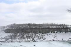 Edge of Niagara Falls (kenyaya) Tags: winter ontario canada water canon rebel niagarafalls natural niagara falls xs 1000d