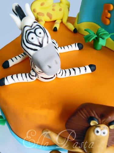 madagascar cake 2
