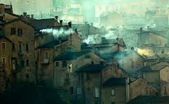 scanno (paraluci) Tags: italy sunrise italia abruzzo camini fumo mattino scanno fotoparadisi httpwwwflickrcomphotos38949222n04