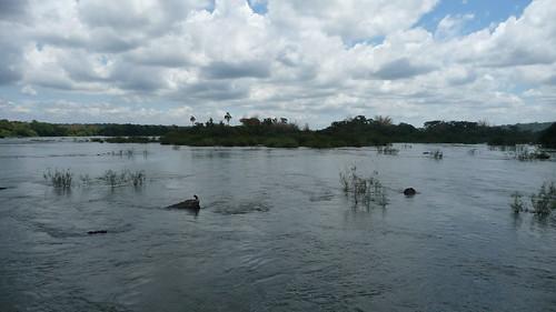 Il fiume Rio Iguazù che si incontra con il Rio Paranà