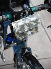 Handlebar bag out of duct tape-1