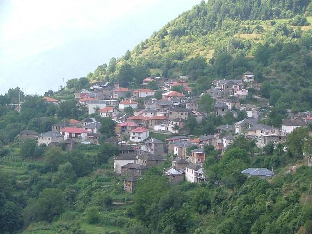 Ήπειρος - Ιωάννινα - Δήμος Μαστοροχωρίων Πληκάτι - Στις παρυφές του Όρους Γράμμος