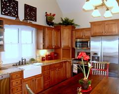 Maggie Valley Club Cottage Kitchen