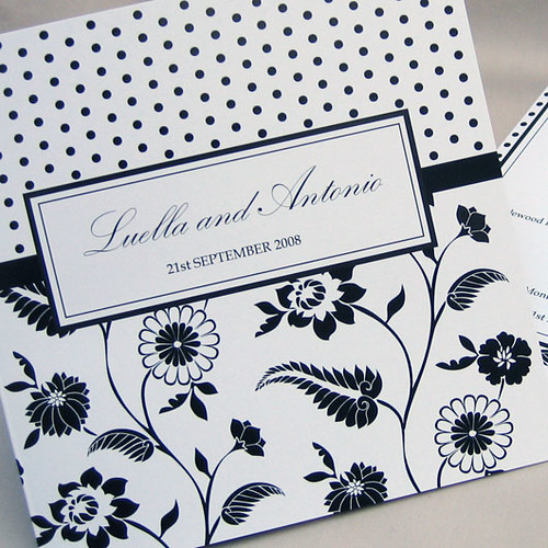 Florella black wedding invitation from mini Moko, Florella Wedding invitation idea, wedding invitation sample, wedding invitation, flowers, photos