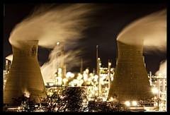 Toxic Industry (David Hannah) Tags: river lights scotland thankyou towers windy explore forth pollution heat refinery complex grangemouth falkirk cooling petrochemical interestingness90 hydrocrackers welcomeuk