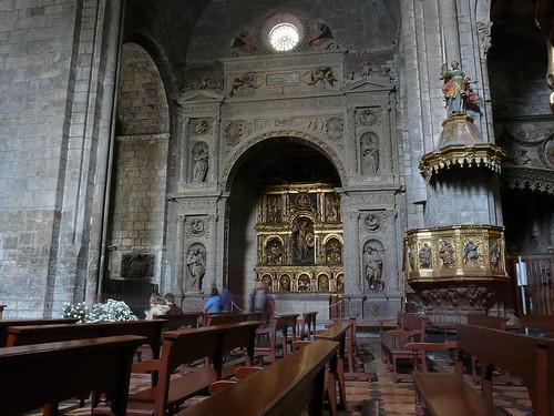 Capilla de San Miguel y púlpito de la Epístola