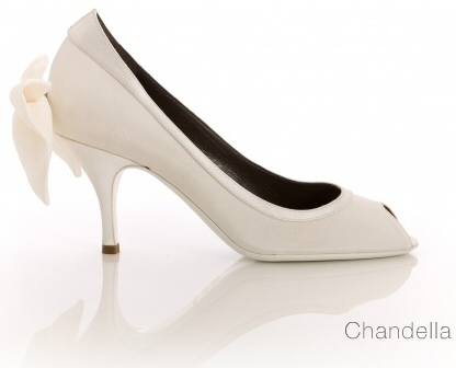 193a53e46e249130_vouelle_chandella_bridal-pump